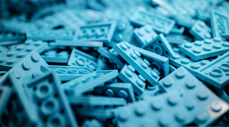Pile of blue LEGOs.